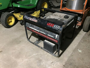 Barely Used Homelite LXR 4500 Watt Generator- 22 hr Total!