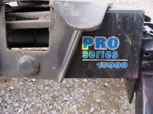 15000 LB PRO SERIES FIFTH WHEEL HITCH AND RAILS 225.00