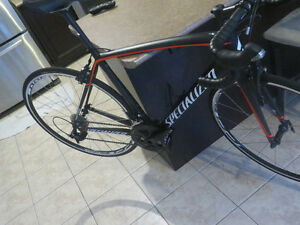 2015 Specialized TARMAC Elite 56cm -MINT New Cond***price drop