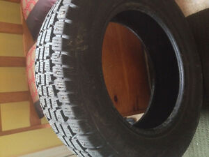 215 65R 16 Studded Tires Used 1 Winter!!