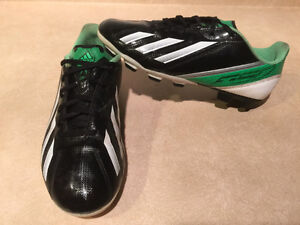 Adidas F5 Outdoor Soccer Cleats Size 6 London Ontario image 1