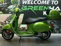 Piaggio Vespa GTS 300cc (2017) ABS Scooter With Topbox and Luggage Rack