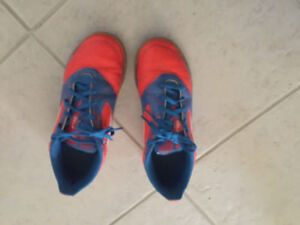 Size 4 indoor soccer shoes