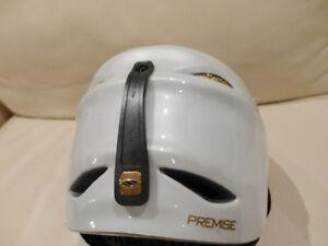 Smith Premise White Youth Size Medium Snowboard-Ski Helmet Kitchener / Waterloo Kitchener Area image 2
