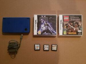 Nintendo DSi XL , avec 5 Jeux DS et accessoires