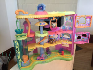 Littlest Pet Shop Sets selection  in great condition