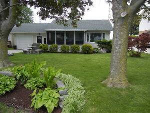 Riverfront home in Port Lambton