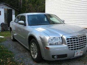 2005 Chrysler 300- touring