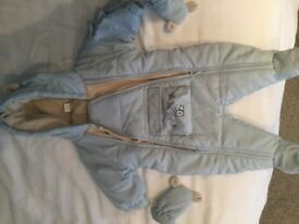 Baby's Snow Suit 0-3 months