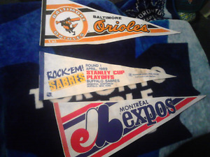 1989  PENNANT  BANNERS MONTREAL EXPOS MLB BUFFALO SABRES NHL ETC
