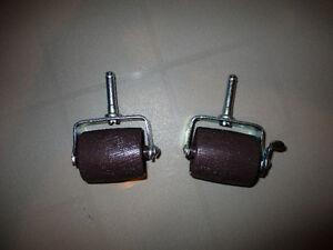 metal bed frame centre support and 2 wheels Oakville / Halton Region Toronto (GTA) image 1