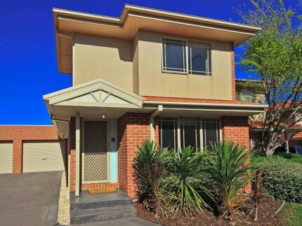 STUNNING, SPACIOUS & FULLY FURN T/HOUSE (S/TERM AVAIL ALSO)