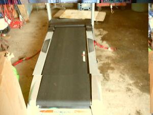 tapis roulant ironman pliable  moteur 3 force 20 POX 60 PO