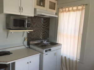BACHELORS ROOM FOR RENT IN COBOURG