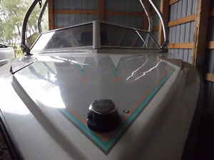 1989 Centurion Direct drive wakeboard boat