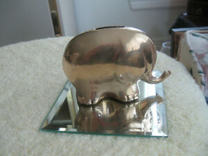 "CHARMING OLD VINTAGE SOLID BRASS ""ELEPHANT-SHAPED"" PIGGY BANK Wa"