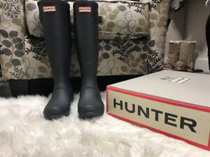 Brand new size 7 Hunter Boots