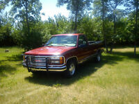 1998 GMC Sierra 1500 SLE - Extremely Low Kms !!