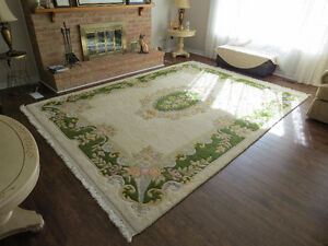 Hand Knotted wool rug. Made in India