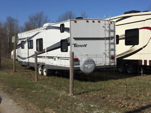 32 ft camping trailer reduced October 8th $13,200