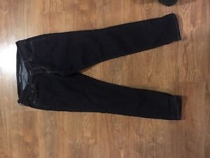 Old navy curvy jeans! Worn once :)