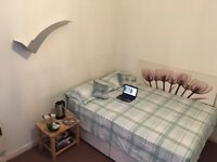 Comfy Double Room- Festival Let.