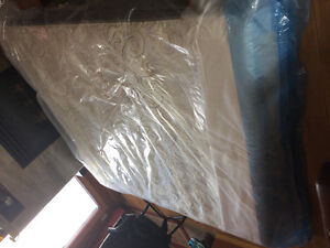 King size mattressKing size mattress for sale with protective co