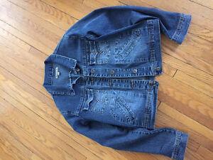 Clothing Stratford Kitchener Area image 1