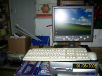 """HP Compaq P4 2.6GHz HT D530 SFF + 15"""" LCD Monitor +KB Mouse"""