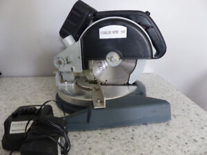 Small Cordless Mitre Saw