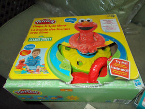 Play-Doh Shape And Spin Elmo Playset Hasbro in box