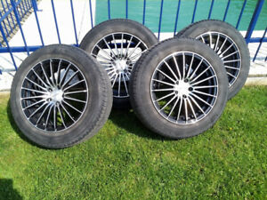 4 roues mags 225/60 R18 pour une Honda Accord