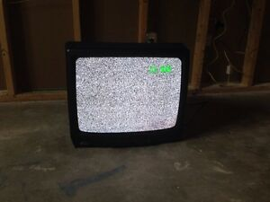 "19"" older style TV"