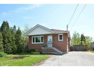 HAMILTON MOUNTAIN UPDATED/SPACIOUS UNIT AVAILABLE NOW