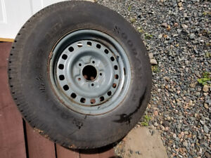1  -  255 / 70 /16  Ford Truck - Rim and Tire