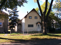 Large, 2 Storey House for Rent. Boyd Ave.