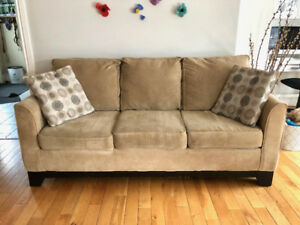 Beige Couch - Excellent Condition SOLD PPU