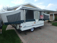 Pop-up Travel Trailer - Ultra clean, like new.