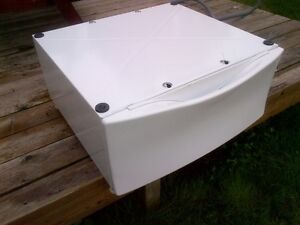 Drawer/Riser for washer or dryer(pedestool) Cornwall Ontario image 1
