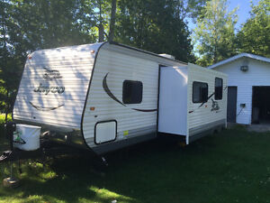2015 Jayco 287 BHSW EXCELLENT CONDITION. 28 Feet.
