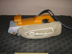 SABLEUSE A RUBAN BLACK & DECKER