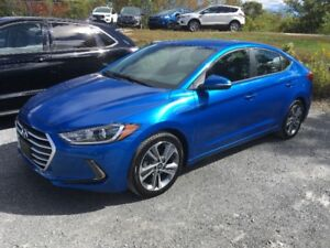 2017 Hyundai Elantra GLS Sedan-ONLY $18,500*