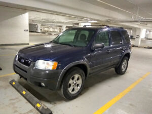 2004 Ford Escape SUV, only 190kms,  AWD leather