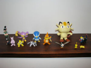 Lot figurines pokemon