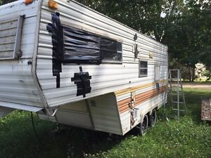 FREE older fifth wheel Strathcona County Edmonton Area image 3