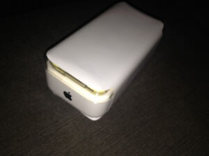 BRAND NEW SEALED IPHONE 5C YELLOW WHITE LIMITED SUPPLIES GIFTS!