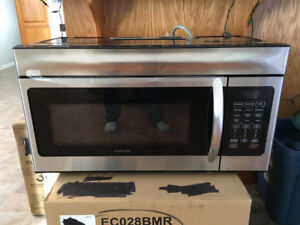 30 inch convection / microwave  NEW