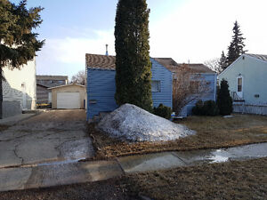 Sutherland area house for sale 50 Ft lot close to UofS