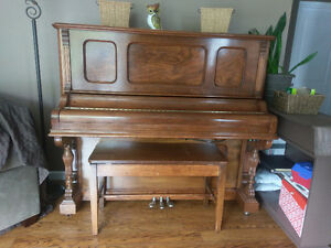 Beautiful Antique Piano - 1890 Morris Upright