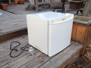 1.9 cubic foot refrigerator for sale